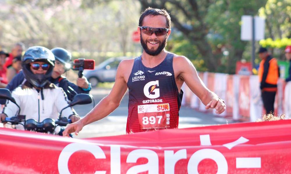 César Lizano se prepara para competir en setiembre