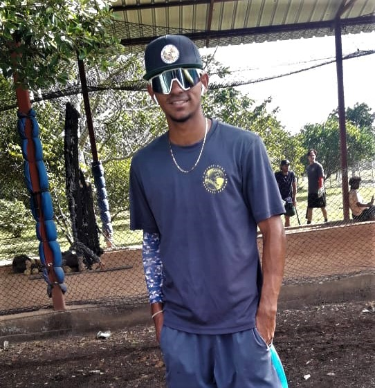 Beisbolista tico sueña y lucha por jugar en las grandes ligas