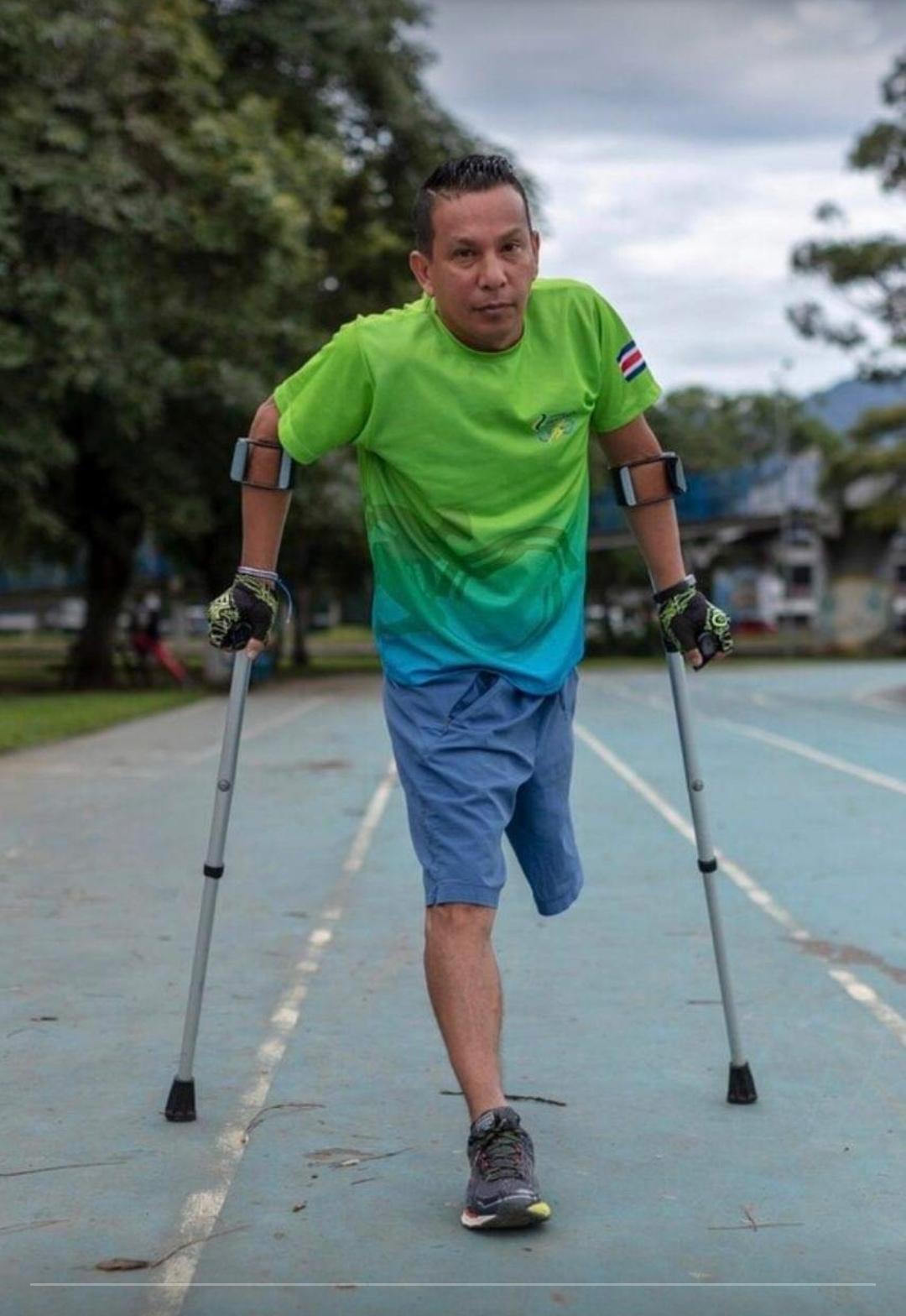 Iván Rodríguez: un atleta en muletas