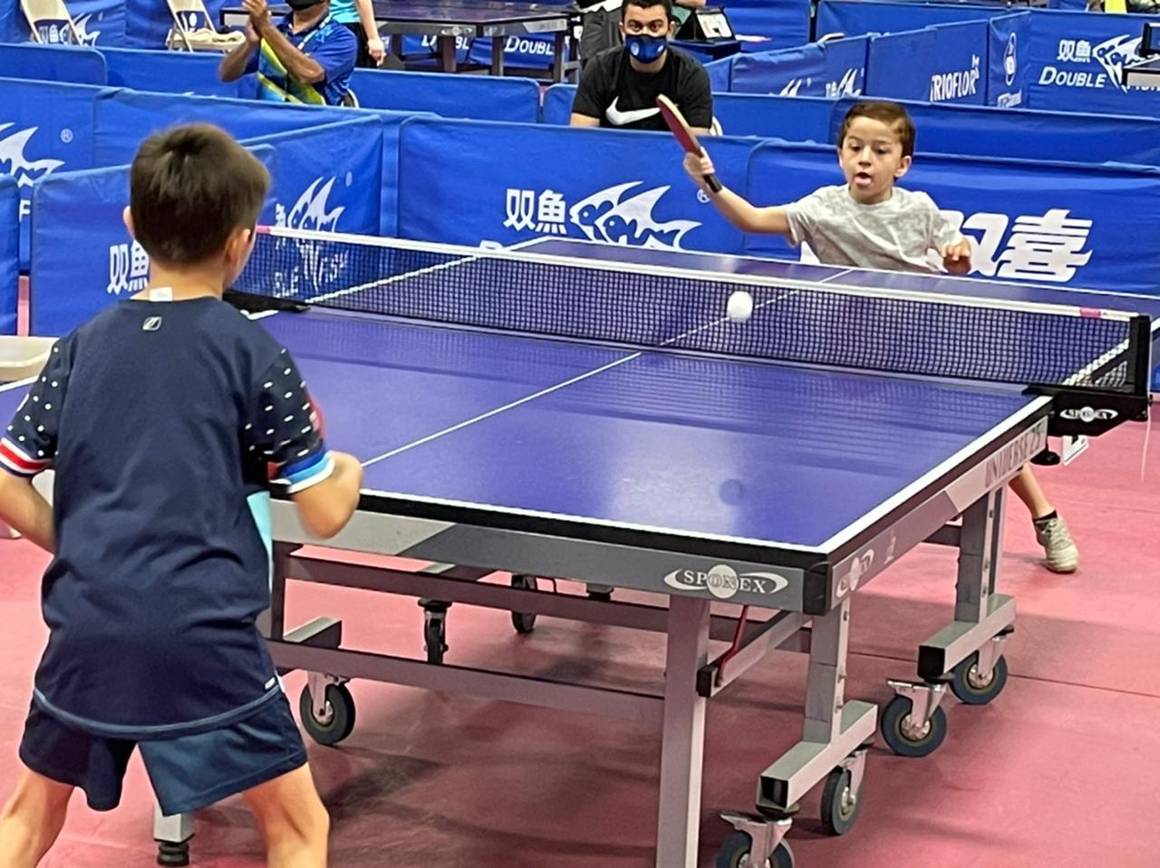 La Sala volvió a brillar con el reinicio de competencias en el tenis de mesa