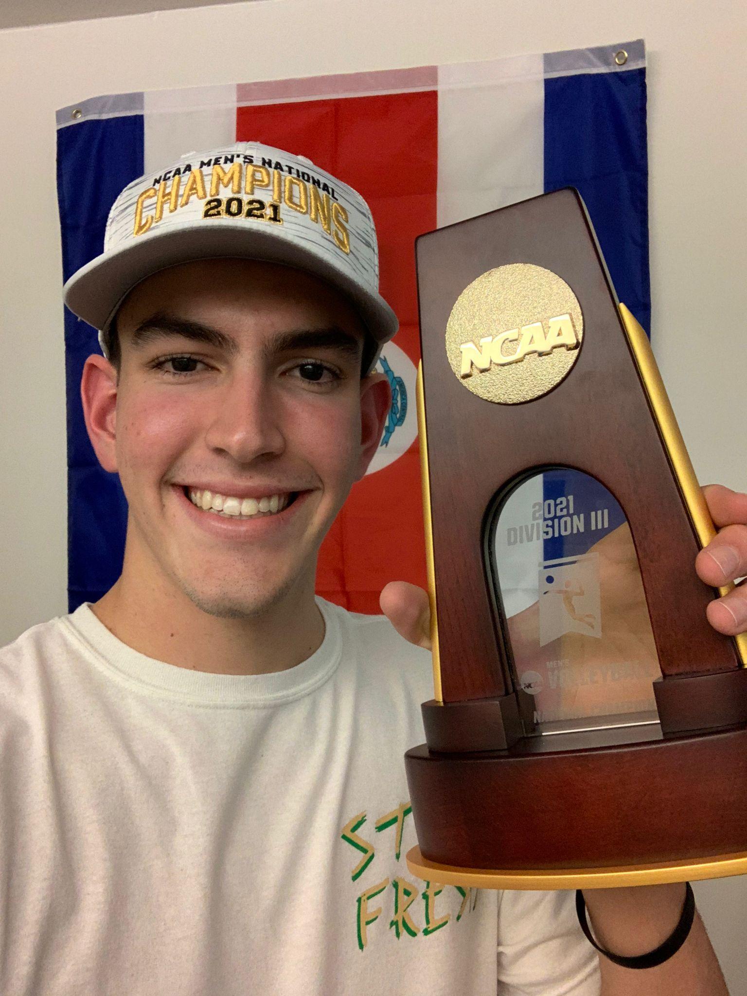 Daniel Dyner consigue su primer título internacional en el voleibol en los Estados Unidos
