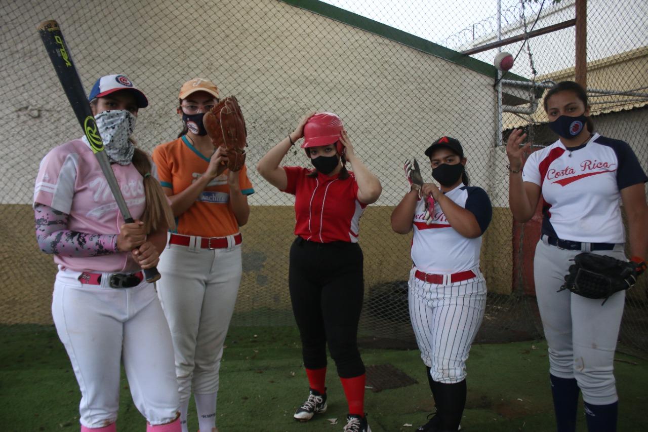 ¡Béisbol femenino a la vista!