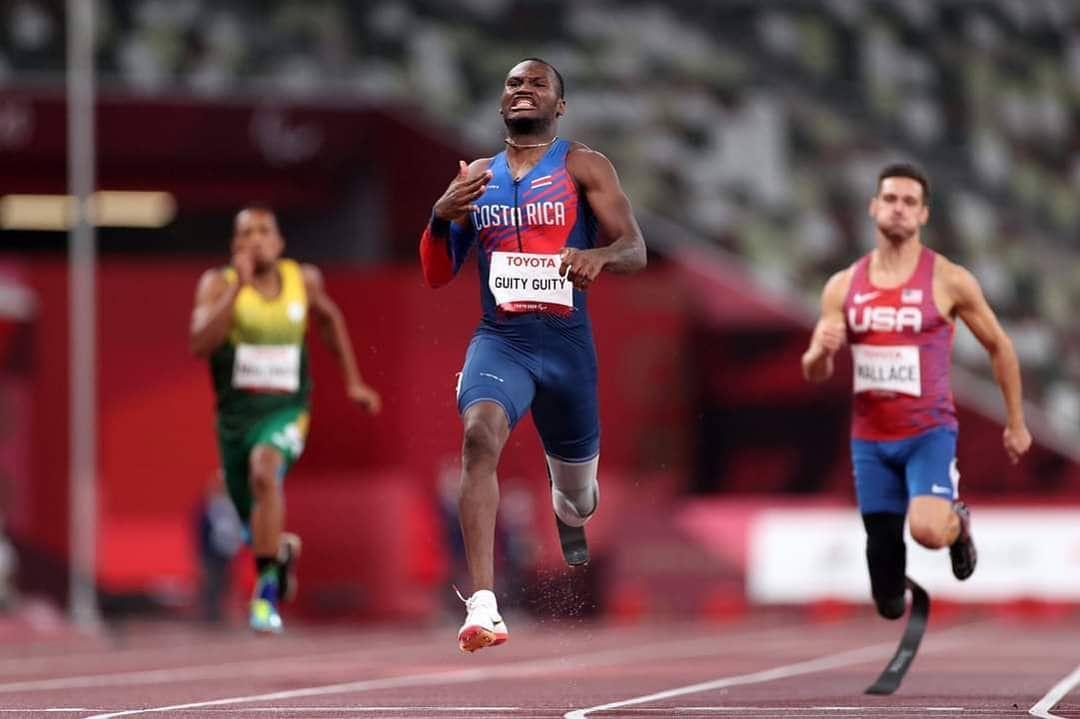 Sherman Guity se bañó en oro en los 200 metros y es nuevo récord paralímpico